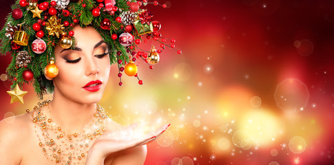 Magic Make Up - Model Woman With Christmas Tree Hair Style