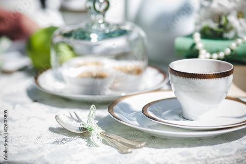 Dekoration Am Tisch Im Garten