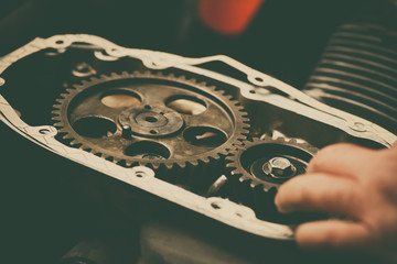 Timing sprockets in boxer engine