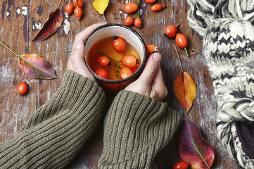 tea with rosehips