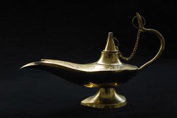 "Brass ""Aladdin"" or ""Genie"" oil lamp"