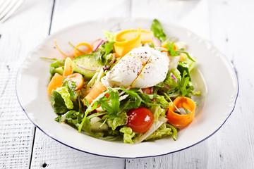 Vegetarian Salad with Poached Egg