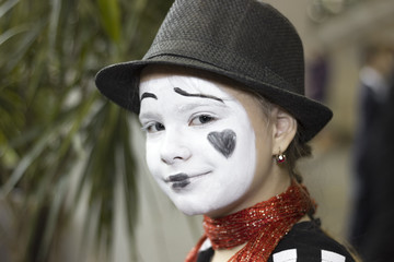 Portrait of the girl mime actor