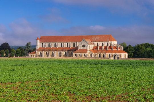 Pontigny Kloster - old Pontigny Abbey, Burgundy