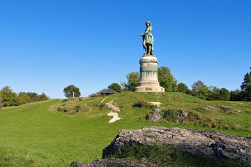 Photo sur Plexiglas Commemoratif Vercingetorix-Denkmal - Vercingetorix monument in Burgundy