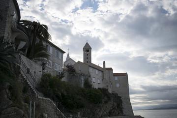 crkveni toranj, dio samostana, grad rab s mora