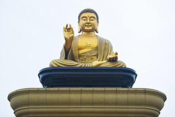 Giant golden buddha statue.