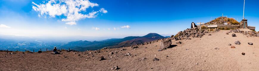 高千穂峰 天の逆鉾と霧島連山