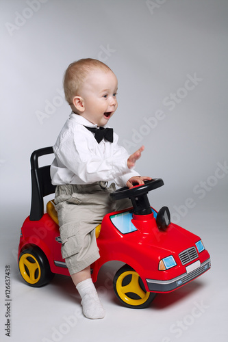 Little Boy With Toy Car : Quot little boy driving toy car stockfotos und lizenzfreie
