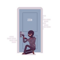 Thief ineffectually lockpicking the door