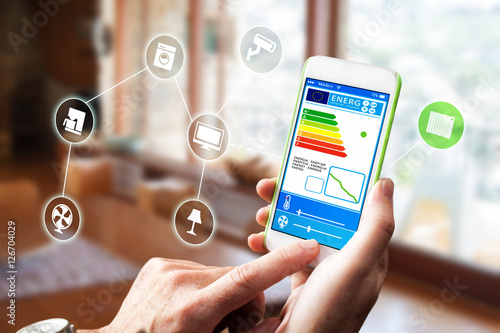 smart home haus automation mit smart haus app auf tablet oder smartphone stockfotos und. Black Bedroom Furniture Sets. Home Design Ideas