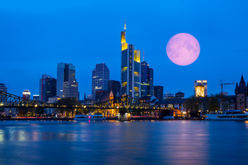 Aluminium Prints Skyline of Frankfurt am Main (Germany) at dusk with super moon
