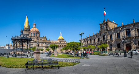 Tuinposter Mexico Guadalajara Cathedral and State Government Palace - Guadalajara, Jalisco, Mexico