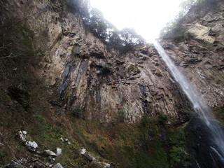 東椎屋の滝(大分県宇佐市) 断崖