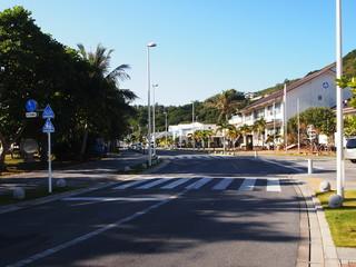 父島大村のメインストリート「湾岸通り」