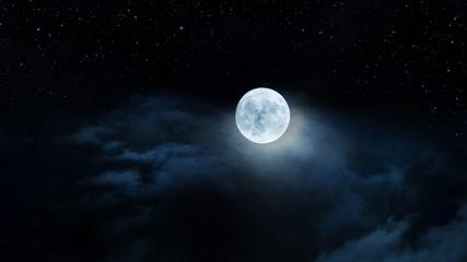 Luna gigante fra le nubi e il cielo stellato Wall mural