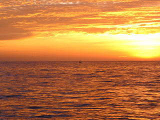 Poster Crimson Colorful sunrise in the beach 2