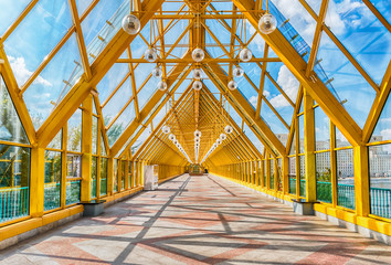 Walking inside Pushkinsky Pedestrian Covered Bridge in central M
