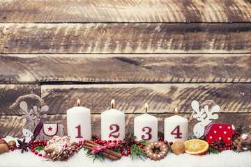4. Advent Kerzen Heiligabend
