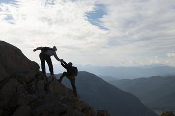 hedef başarısı ve azimli dağcılar