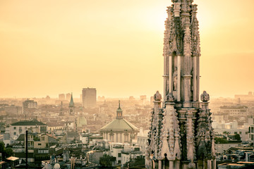 Fotomurales - view of Milan city from Duomo roof terrace at dusk