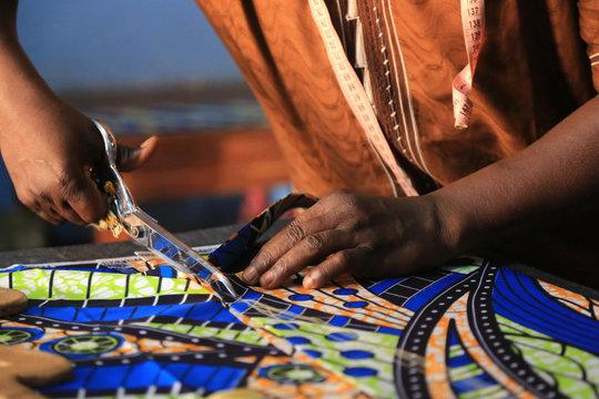 Atelier de formation de couture. Lomé. Togo. / Sewing training workshop. Lome. Togo.