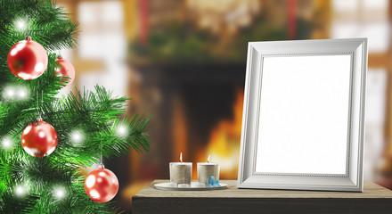 Addobbi natalizi in casa con albero camino cornice e candele