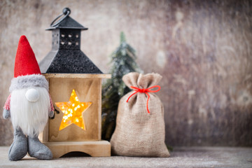 Christmas gnome und santa hat. Christmas pattern. Background on
