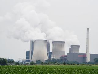 Kohle Kraftwerk am Tag. Weisweiler, Deutschland