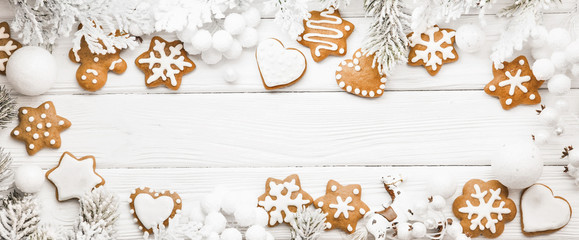 Fotobehang Koekjes Christmas cookies with fir branches