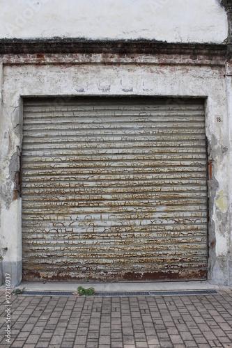 Come verniciare la porta del garage