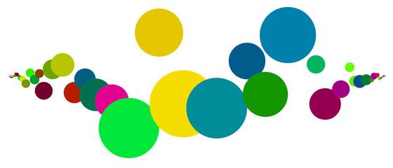 Cerchi colorati isolati su sfondo bianco