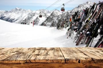 desk and ski time