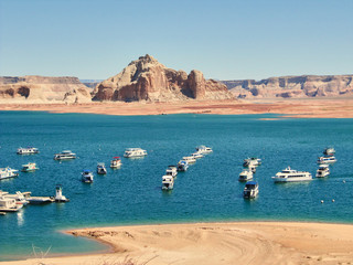 The Lake Powell with typical houseboats
