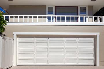 Garage door in white