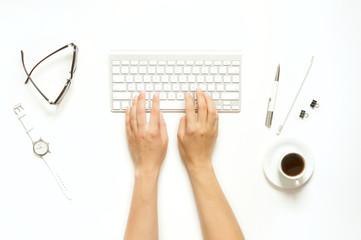 Minimal women's desk