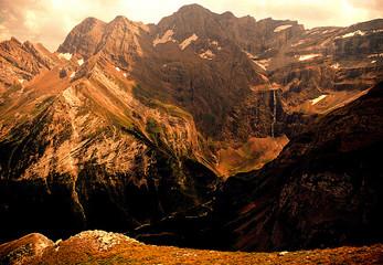 Fotobehang Canyon pyrenees
