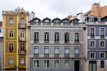 traditionelle, gekachelte Hausfassade in Lissabon, Portugal