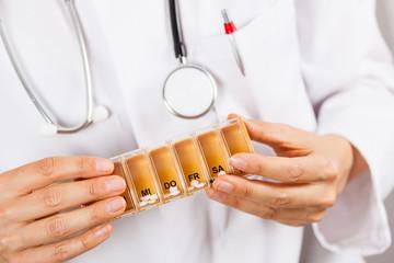 Tablettenbox Medikamente Pillen Schachtel