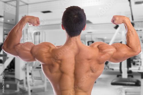 Bodybuilder Bodybuilding Muskeln Fitnessstudio Rücken posen Biz ...