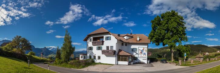 Historischer Gasthof bei Mittelberg am Ritten