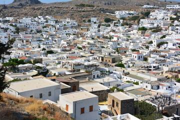 vue d'ensemble du village de Lindos à Rhodes
