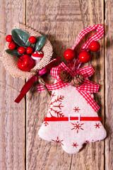 Campanella di tessuto di Natale con addobbi