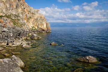 Скалистые берега озера Байкал