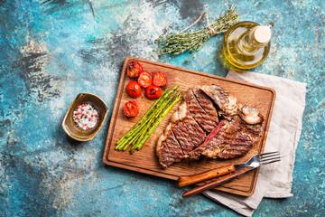 Grilled t-bone or porterhouse steak
