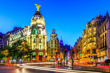 Photo sur cadre textile Madrid Madrid, Spain. Gran Via, main shopping street at dusk.
