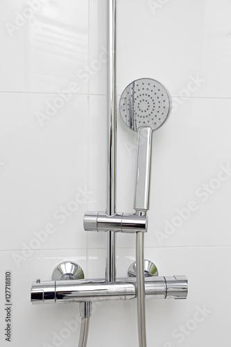 douchette de salle de bain avec robinet mitigeur stock. Black Bedroom Furniture Sets. Home Design Ideas