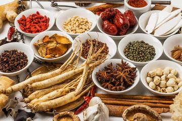 朝鮮人参と漢方 薬膳 健康食 Chinese medicine and ginseng