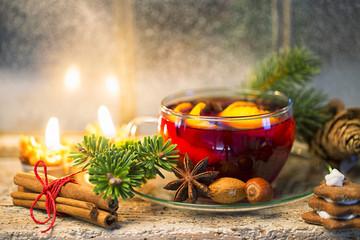 Heißer Tee Weihnachtlich