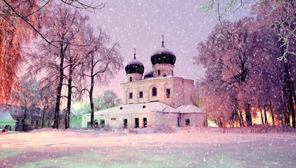 Photo sur Plexiglas Lilas Winter night landscape - Cathedral of the Nativity of Our lady in Saint Anthony Monastery in Veliky Novgorod, Russia
